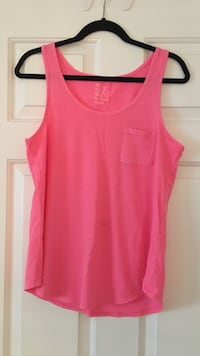 women's pink tank top Surrey, V3W 5V6