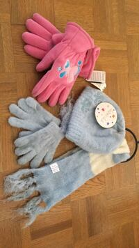 Girls hat, scarf, and gloves new Vaughan, L4L 8Y3