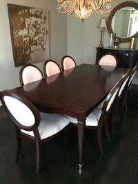 Expandable dining room table w/ 10 chair Vaughan, L6A 0E5
