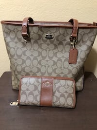 Coach purse with wallet Patterson, 95363