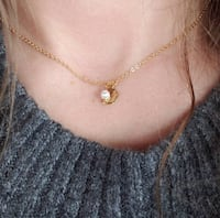 gold chain necklace with pendant Ottawa, K2S