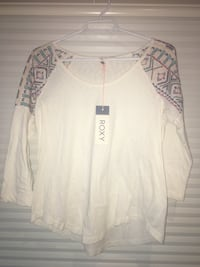 Women's black and white roxy long-sleeved scoop-neck top Penticton, V2A 6J4