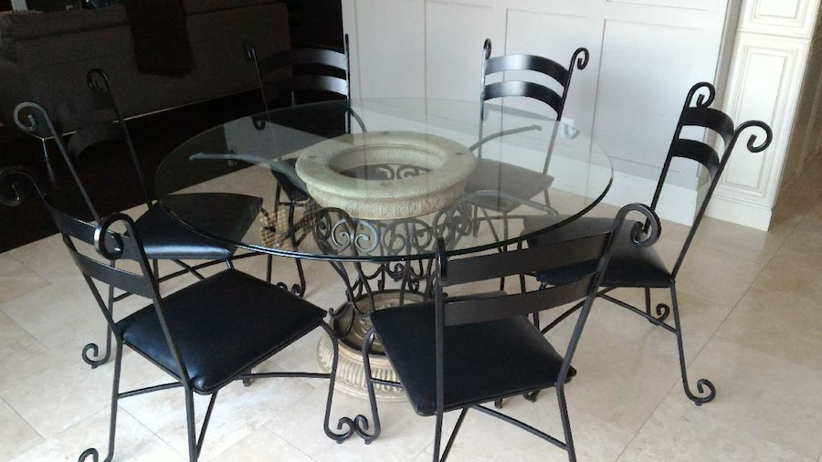 Used Round Glass Dining Table 6 Chairs In Brampton