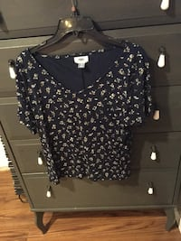Old Navy navy blue floral tee Oak Lawn, 60453