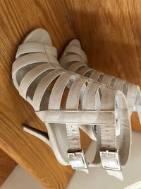 Shoes high heel sandals Laval, H7L 5H1