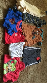 toddler's assorted clothes Elkhart, 46516