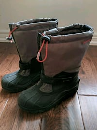 pair of black-and-grey winter boots Markham, L6E 1W3