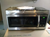 stainless steel and black microwave oven Cromwell, 46732