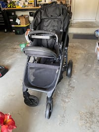 Britax double stroller with car seat and two car seat bases