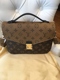 Louis Vuitton Bag  Mississauga, L5W 1P4