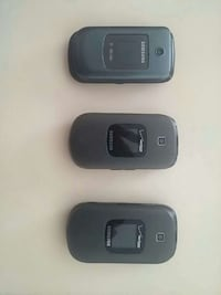 Flip phones cell for sale.  No battery. Albuquerque