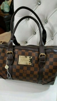 Damier Ebene Louis Vuitton leather tote bag Mississauga, L5T 2L8