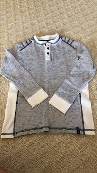 Boys thermal shirt size 8.  Mississauga, L5W 1W6