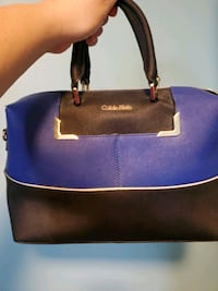 Calvin klien purse medium size