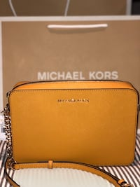 Michael Kors Jet Set Item Large Saffiano Crossbody Bag Richmond Hill, L4C 1W3