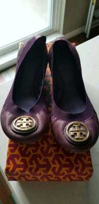 TORY BURCH LEATHER CAROLINA SHOES Surrey, V4N