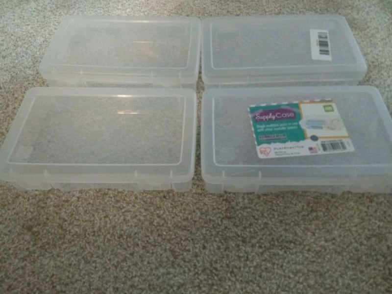 4 Sterelite Organizers -all for 5$ 8f4c8cc6-10af-43a3-8708-e056d4b58be6