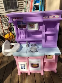 Play kitchen with food  Germantown, 20874