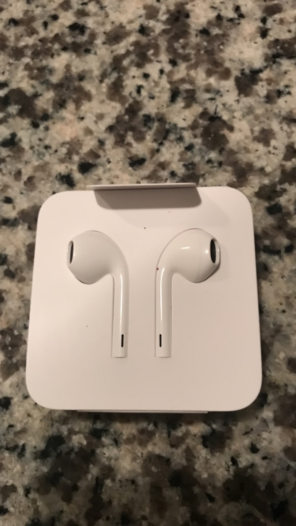 iPhone 7 ear pods with lightning connector. NOT WIRELESS