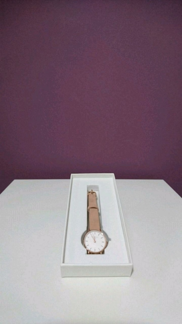 Rosefield baby pink watch