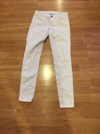 Size 0 American Eagle white jeans  Barrie, L4N 5R9