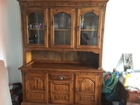 Antique Hutch. Comes in two pieces for easy transportation. In great condition. Hate to let it go but I need to down size :( pick up only Ottawa, K4A