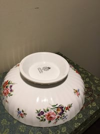 "Vintage 1986 ROYAL WORCESTER 51 WITLEY GARDEN FINE BONE CHINA 9"" FOOTED SALAD/VEGETABLE SERVING BOWL. Cash pick up . PayPal accepted for shipping Freeport, 11510"