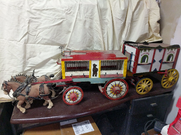 Wood Circus Wagon Set 2175 mi