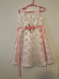 Size 5 White & Pink Dress Kelowna, V1Y 3Z6