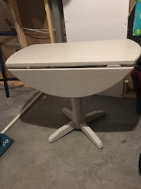Antique drop down table- if it's up it's still available Calgary, T3Z
