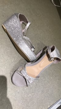 Pair of silver wedge girls  open-toe size 2-3 ankle strap heels 536 km