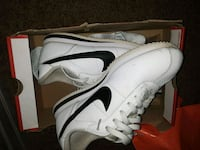 pair of white Nike low-top sneakers with box Lubbock, 79416
