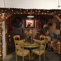 Rooster theme solid wood table and 4 chairs Gulfport