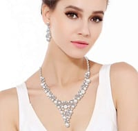 Silver Tone Crystal Paved Hollow Wave Pearl Necklace & Earrings Set Brampton, L7A 3M5