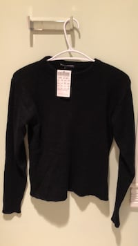 Brandy Melville back sweater - paid 50, $40 tags attached Toronto, M6J 2V6