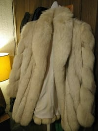 Vintage Oscar de la Renta white fox-fur coat