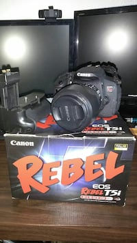 Canon T5i Kit wirh extras ***read more info***