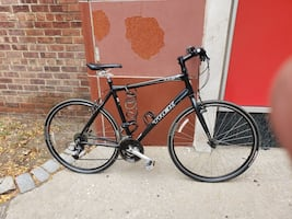 TREK 7.3FX BIKE (GOOD CONDITION)