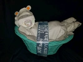 Sleeping Baby w/ Basket Diaper Cake