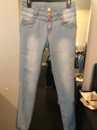 women's blue denim jeans Gaithersburg, 20878