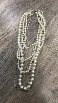 White pearl beaded necklace  Vaughan, L6A 3E7