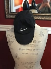 Nike dri fit ladies cap
