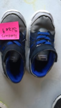 Blue/black/grey toddlers Nike's size 9 Sparks, 89436