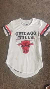 White and red chicago bulls jersey Calumet City, 60409