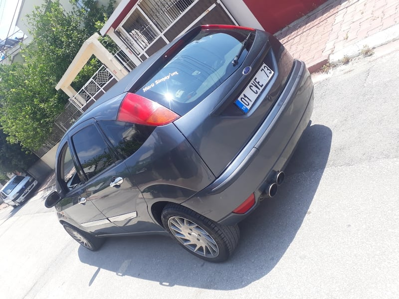 2004 Ford Focus 1.6 COMFORT COLLECTION 5022d655-c317-45a6-a606-5d164e779c74