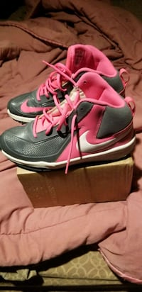 Nikes( 1st come 1st get) Baltimore, 21223
