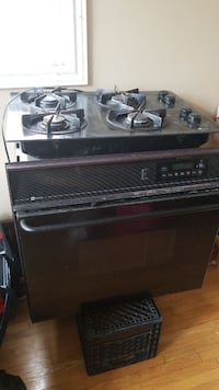 In wall oven and built in stove top Toronto, M1C 5B1