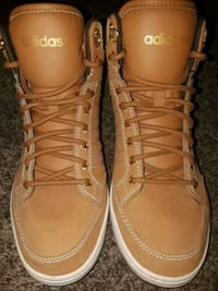pair of brown Adidas high top shoes Wichita, 67220
