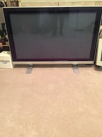 Flat Screen Sylvania Tv 41 inches in great condition  Southfield