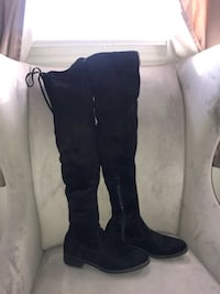 pair of black suede knee-high boots Toronto, M8W 3M4